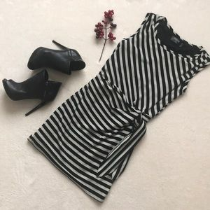 GUESS black and white dress.